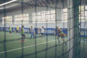 Indoor Fußball ist bei Kindern unheimlich beliebt....
